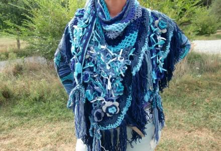 Blauwe driehoek sjaal